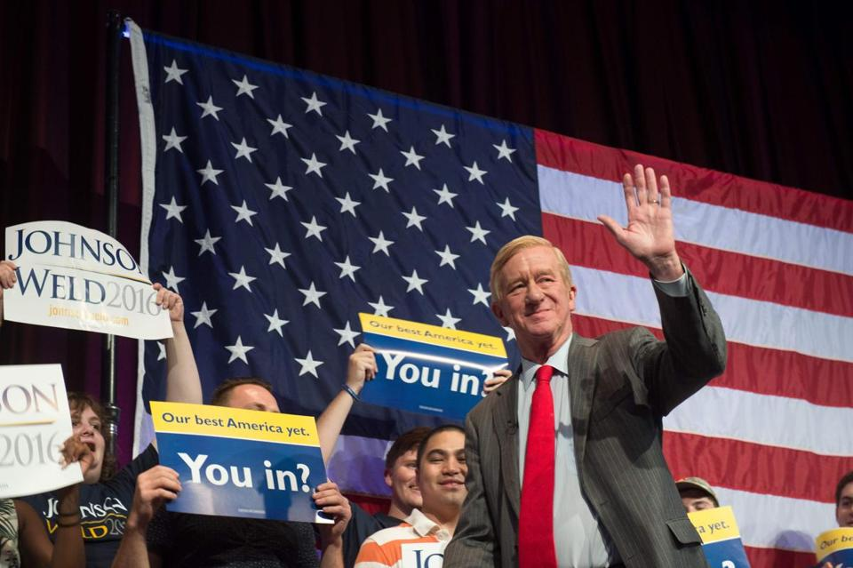 William Weld, then the Libertarian vice presidential candidate, takes the stage to speak at a 2016 rally in New York.