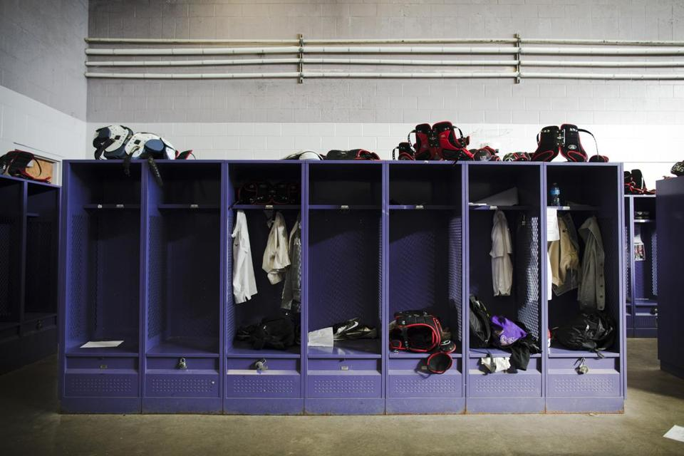 Heres what men actually talk about in a locker room The Boston Globe
