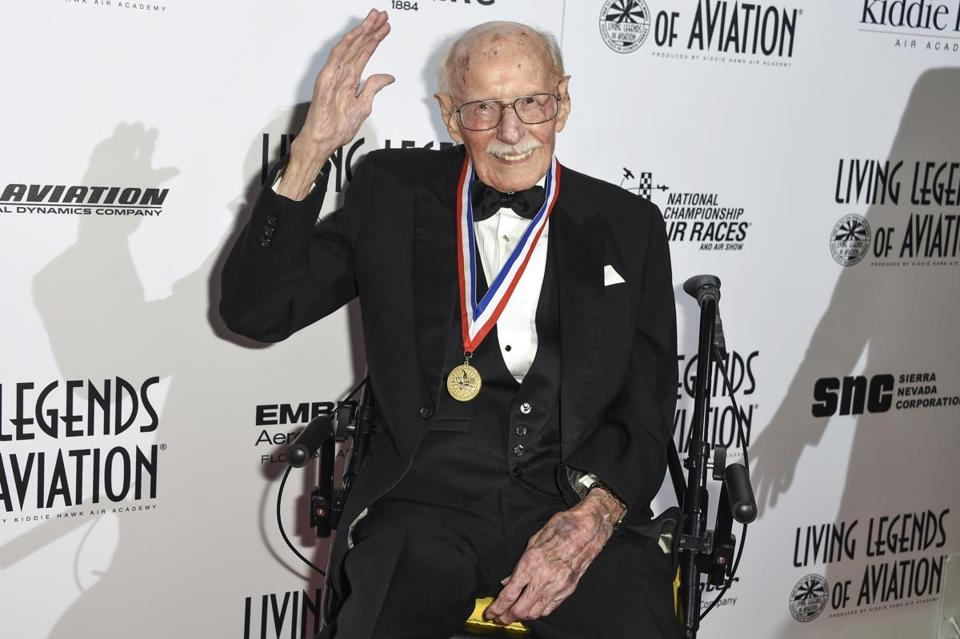 Mr. Hoover, at the Living Legends of Aviation Awards ceremony in Beverly Hills, Calif., menaced German aviators in World War II and wowed fans with his aerobatics.