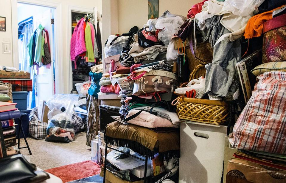 Jesse edsell vetter takes a humane approach to hoarding for Cleaning out deceased parents home