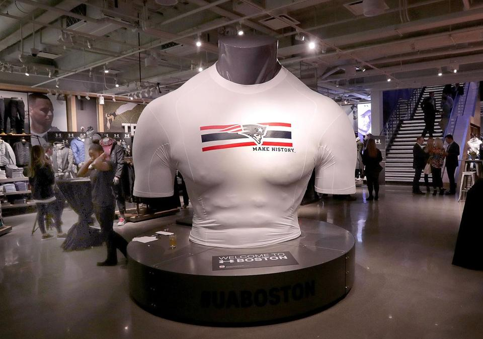 Boston, MA: 11-02-2016: Giant torso at the front of the Under Armour Boston Brand House during the grand opening celebration at the Prudential Center in Boston, Mass. Nov. 2, 2016. Photo/John Blanding, Boston Globe staff story/Megan Woodhouse, Business ( 03underarmour )