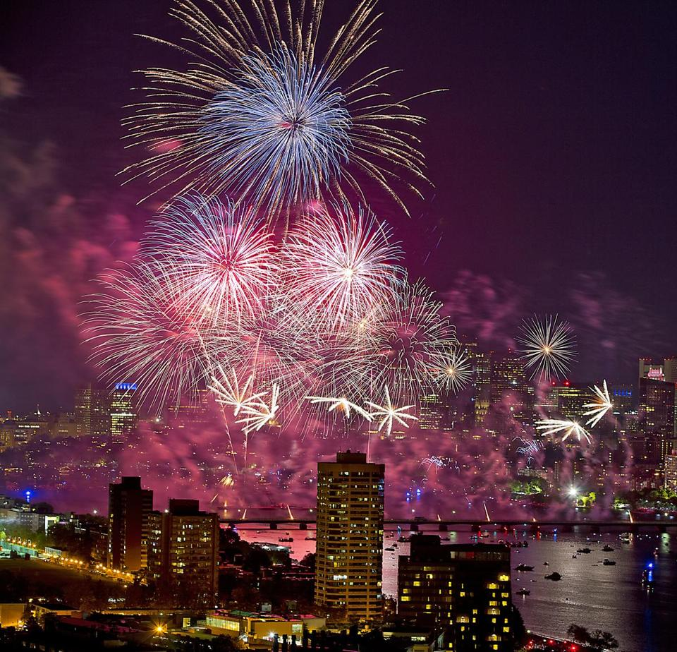 Boston MA 7/4/16 The Boston Pops Fireworks Spectacular 2016 from the roof of Boston University's 33 Harry Agganis Way on Monday July 4, 2016. (Photo by Matthew J. Lee) topic: reporter: