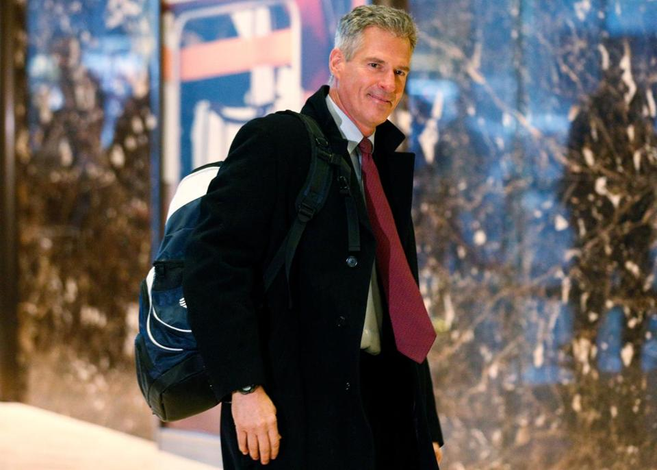 Former U.S. Senator from Massachusetts Scott Brown arrives to meet with U.S. President-elect Donald Trump at Trump Tower in Manhattan, New York City, U.S., November 21, 2016. REUTERS/Brendan McDermid