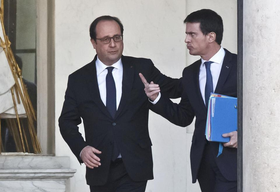 French President Francois Hollande (left) and Prime Minister Manuel Valls spoke after a weekly cabinet meeting at the Elysee Palace in Paris earlier this year.