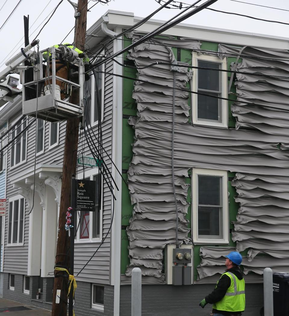 Cambridge Ma 12/5/16 A melted facade on the building from heat A fire scene, burned out buildings, Cambridge fire now says 16 buildings damaged in ten alarm fire.... Globe photo David Ryan