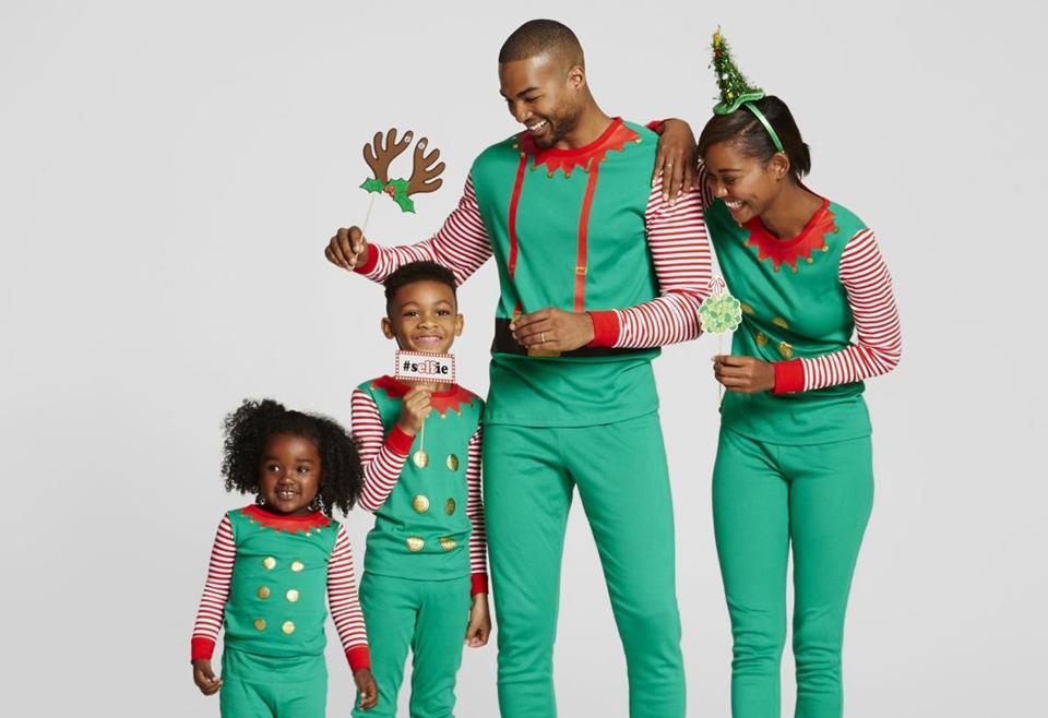 Tis the season for . . . matching pajamas  - The Boston Globe 69c856788