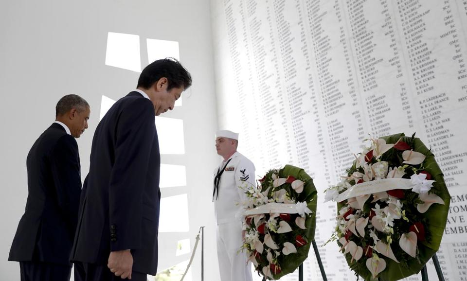 President Obama and Japanese Prime Minister Shinzo Abe participated in a ceremony at the USS Arizona Memorial.