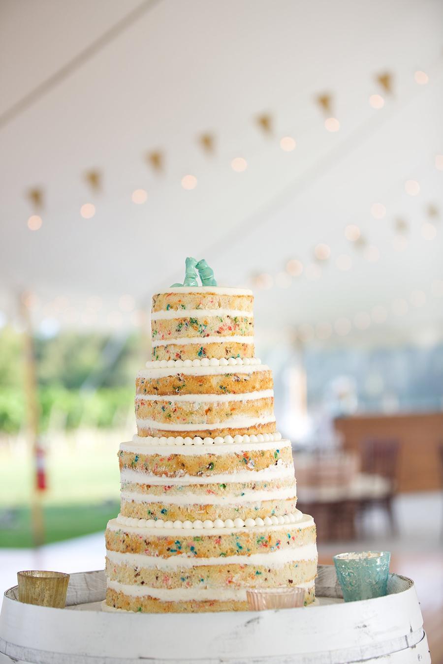 Trend alert: Wedding cakes go naked - The Boston Globe