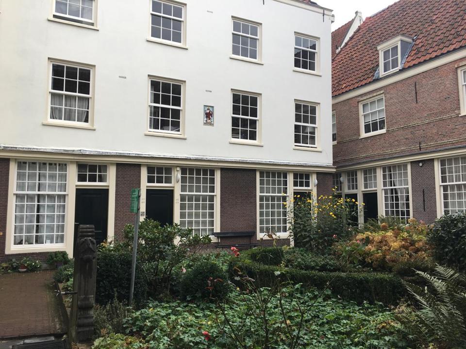 Amsterdam's hidden gems: The inner courtyards