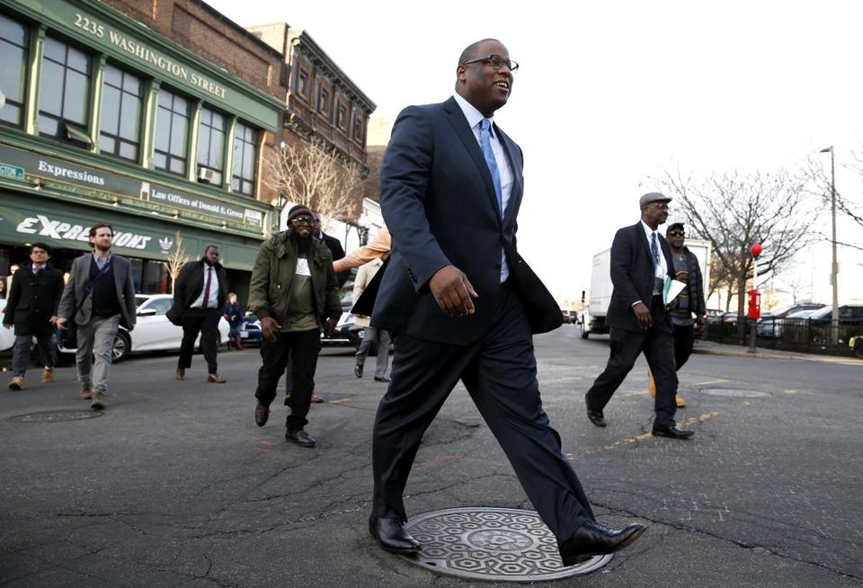 c5ef2e27b331 Mayoral candidate Tito Jackson gets a cold shoulder from political  establishment