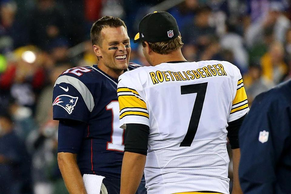 FOXBORO, MA - SEPTEMBER 10: Tom Brady #12 of the New England Patriots and Ben Roethlisberger #7 of the Pittsburgh Steelers speak before the game at Gillette Stadium on September 10, 2015 in Foxboro, Massachusetts. (Photo by Jim Rogash/Getty Images)