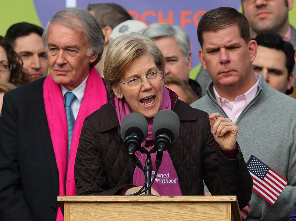 Senator Elizabeth Warren rallies the crowds pre women's march in Boston