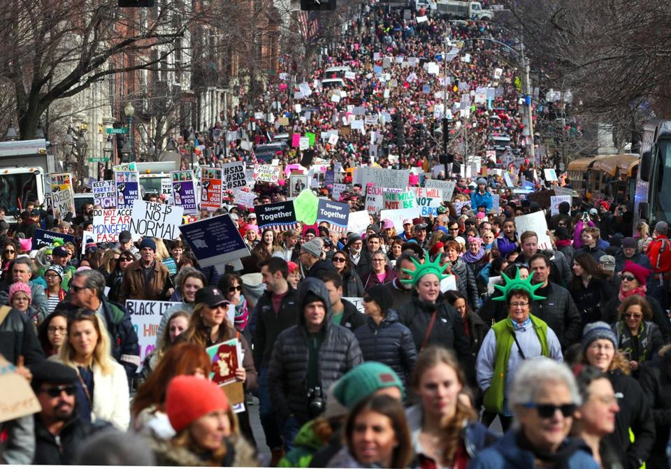 Boston-01/21/2017 Thousands of people filled Boston Common for the Boston Women's March for America. The huge march heads down Beacon Street. John Tlumacki/Globe Staff(metro)