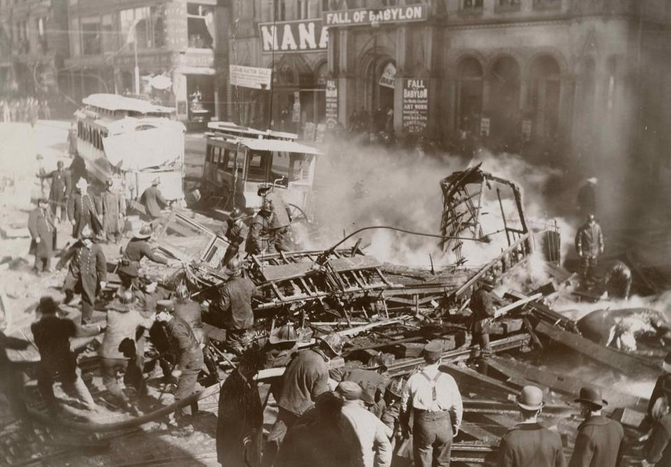 A gas explosion killed 10 people as the excavation for Boston's subway was underway.
