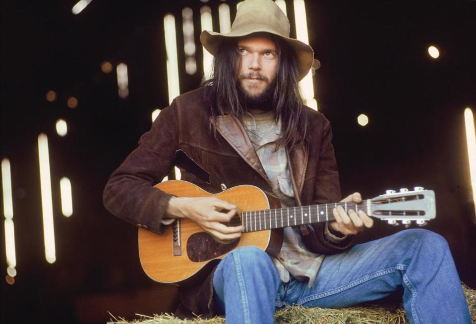 "Henry Diltz will show photos of Neil Young and other artists at ""Tribute to Laurel Canyon."""