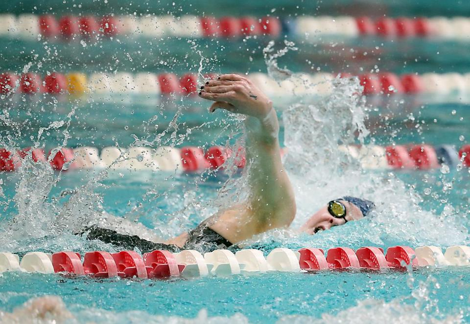 Boston MA 2/18/17 Ashley Loomis from Franklin High winning the 500 yard freestyle during the MIAA Division 1 girls' swimming & diving meet at the Boston University Competition Pool. (Photo by Matthew J. Lee/Globe staff) topic: 19schswim reporter: