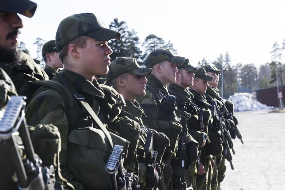 Men women military
