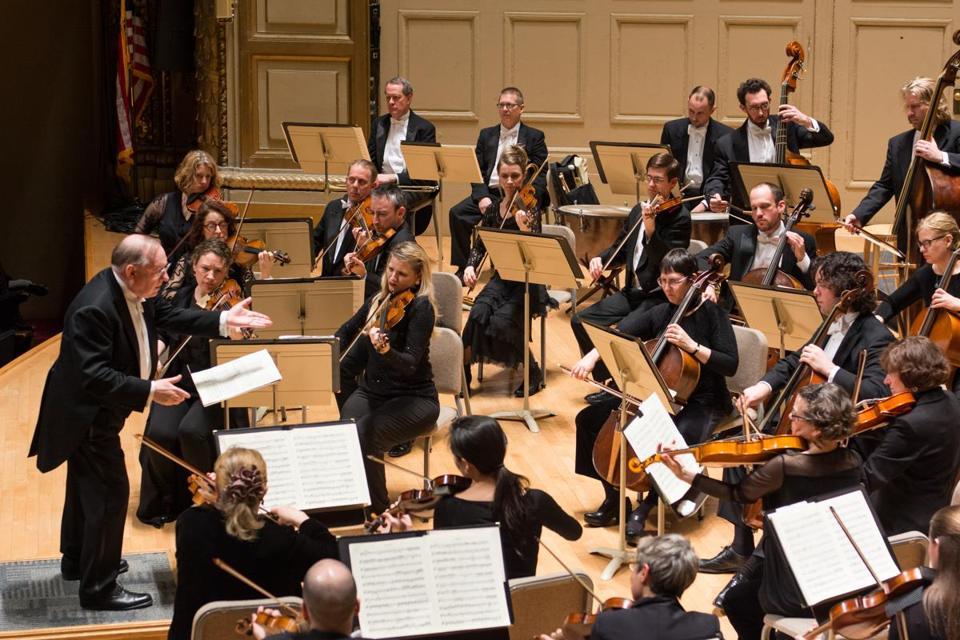 Nicholas McGegan conducts the Handel and Haydn Society Orchestra Friday at Symphony Hall.