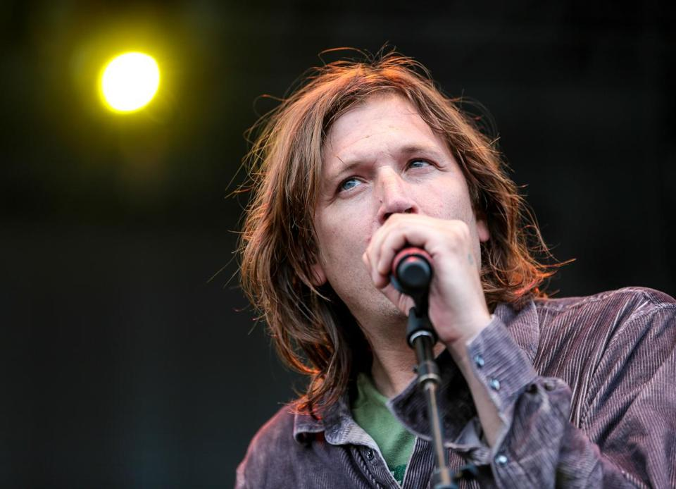 Evan Dando will play at the Boston ACLU show.