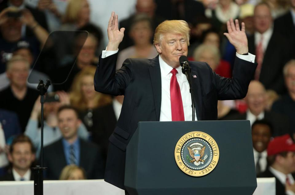 epa05860827 US President Donald J. Trump gestures during a rally at the Kentucky Exposition Center in Louisville, Kentucky, USA, 20 March 2017. Trump is appearing at several Make America Great Again rallies around the country. EPA/MARK LYONS