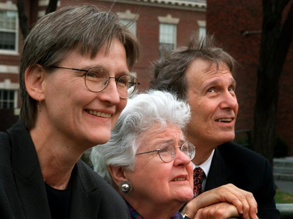 Dr. Dunn (center) with then-Radcliffe Institute dean Drew Faust and Harvard University president Neil Rudenstine in 2000.