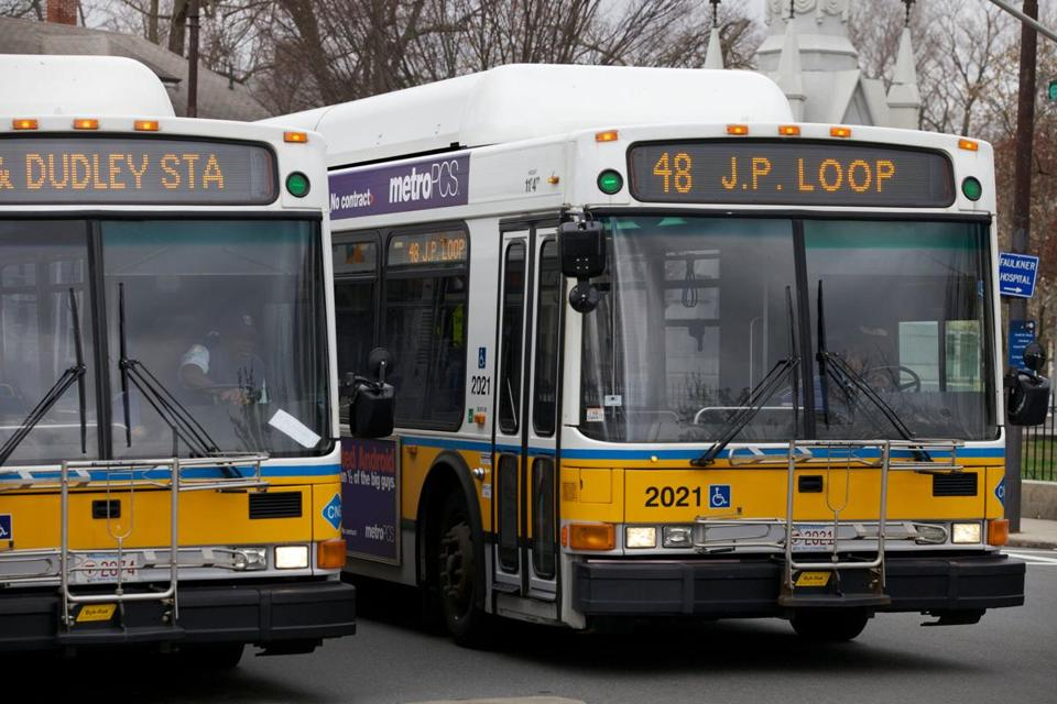 The MBTA and union bus mechanics agreed to a new four-year contract.
