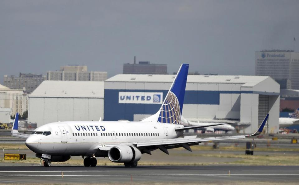 A United Airlines passenger plane.