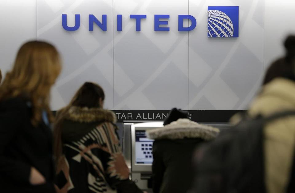 A United Airlines counter.