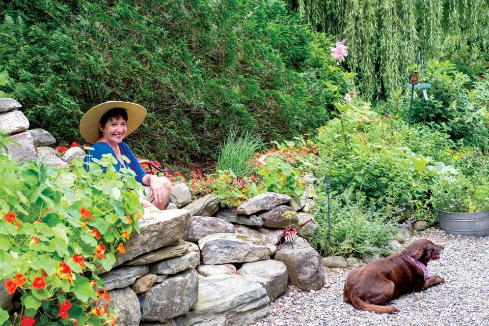 Vegetables and flowers mix beautifully in a Maine garden - The Boston Globe - 웹