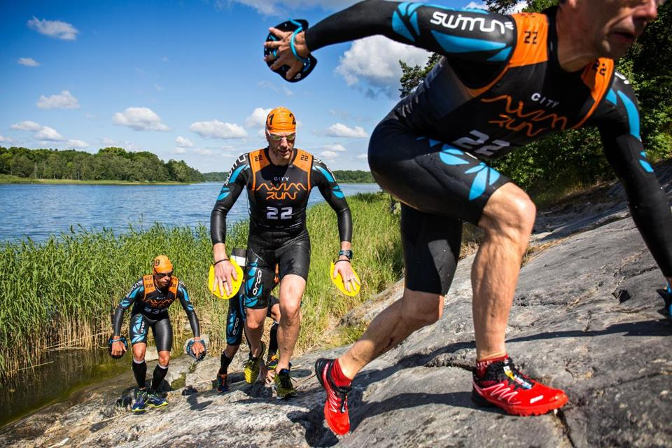 The original swimrun competitors carried backpacks of dry socks and food and other supplies. Today companies are making special gear for the runners/swimmers.