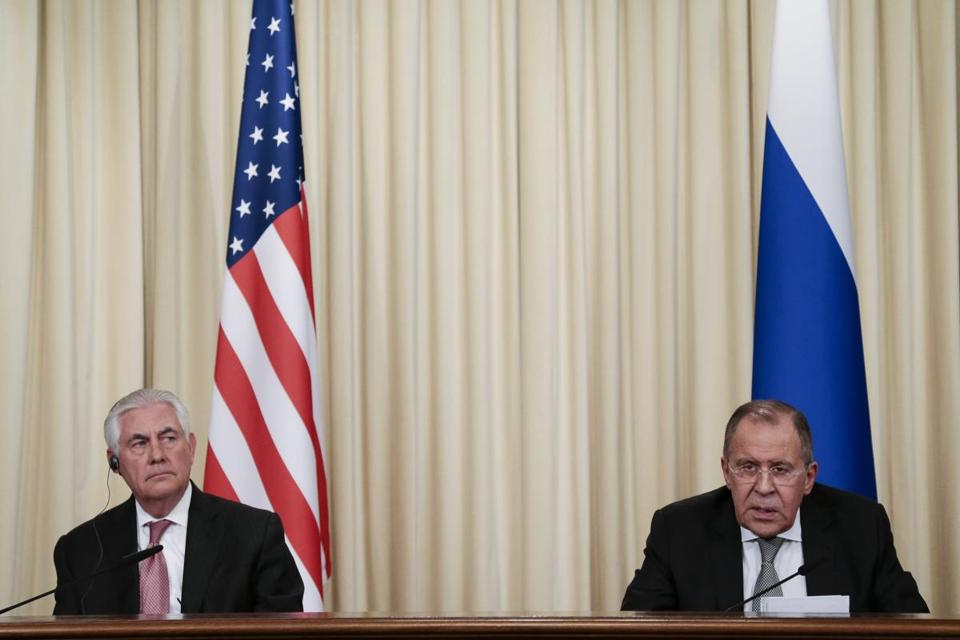 Russian Foreign Minister Sergey Lavrov, left, and US Secretary of State Rex Tillerson attend a news conference following their talks in Moscow, Russia, Wednesday, April 12, 2017. Amid a fierce dispute over Syria, the United States and Russia agreed Wednesday to work together on an international investigation of a Syrian chemical weapons attack last week. (AP Photo/Ivan Sekretarev)