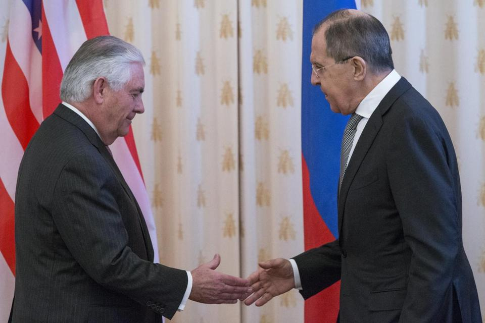 Secretary of State Rex Tillerson (left) and Russian Foreign Minister Sergey Lavrov shook hands prior to their talks in Moscow.