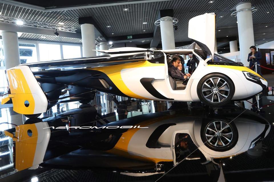 [Internacional] Carro voador é exibido em Mônaco AFP_NP4RJ