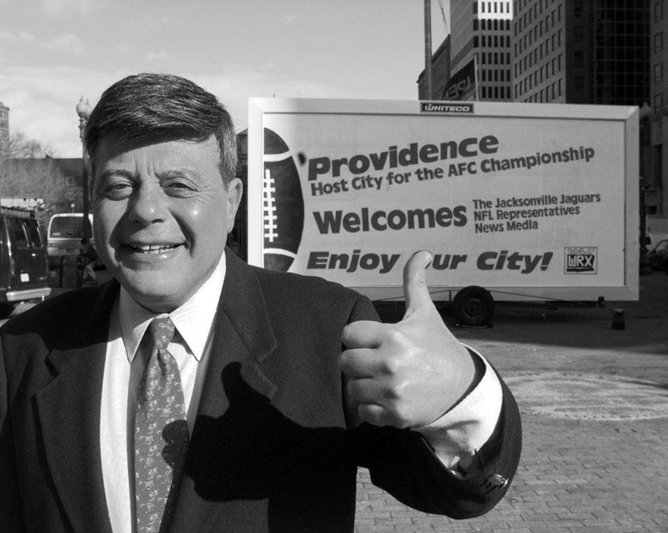 "FILE — Vincent ""Buddy"" Cianci Jr., the mayor of Providence, R.I., Jan. 10, 1997. Cianci, who cast a vast shadow over political life in Providence in a long career that included two decade-long stints in office, talk-radio polemics and a prison term on federal racketeering charges, died on Jan. 28, 2016. He was 74. (Keith Meyers/The New York Times)"