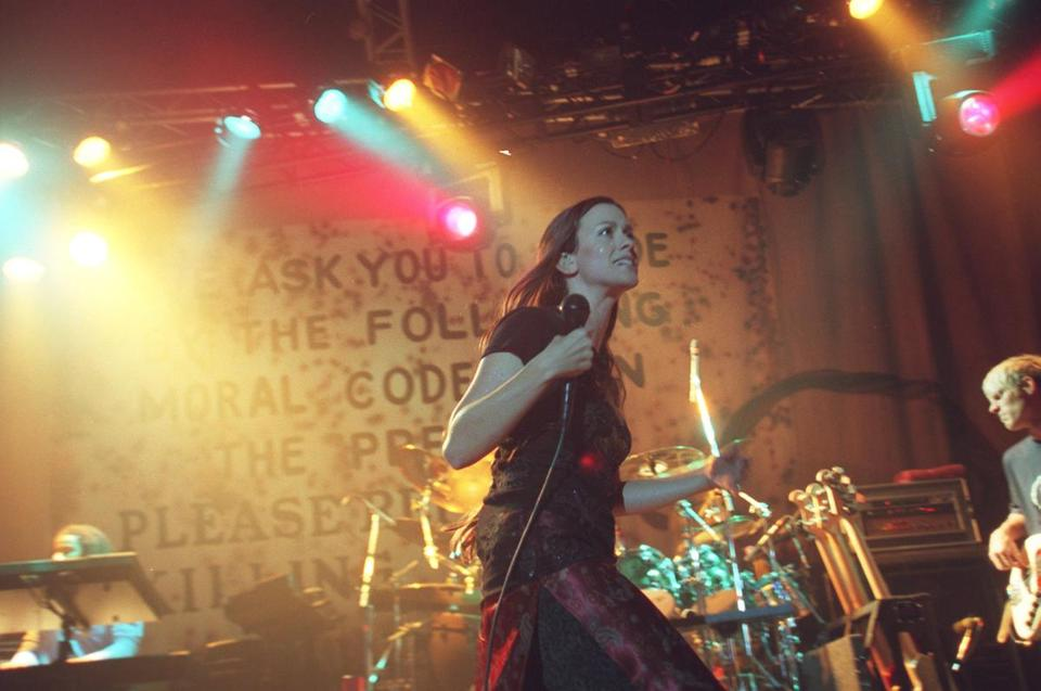 Alanis Morissette at Avalon in 1998.