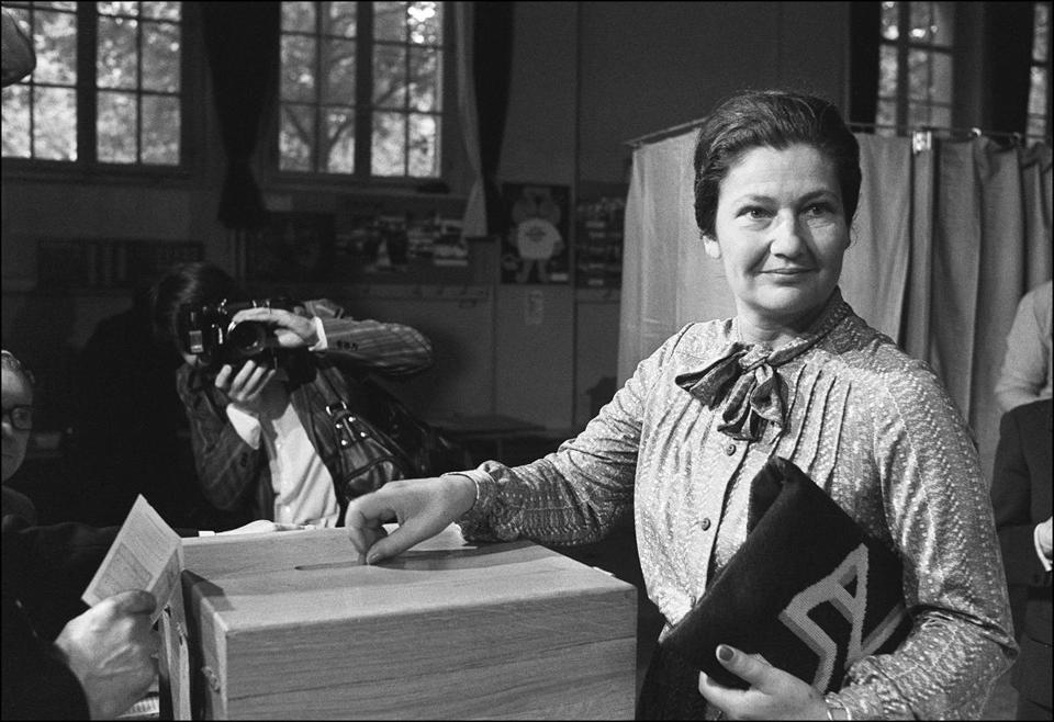 simone veil 89 auschwitz survivor who championed france s abortion law the boston globe. Black Bedroom Furniture Sets. Home Design Ideas
