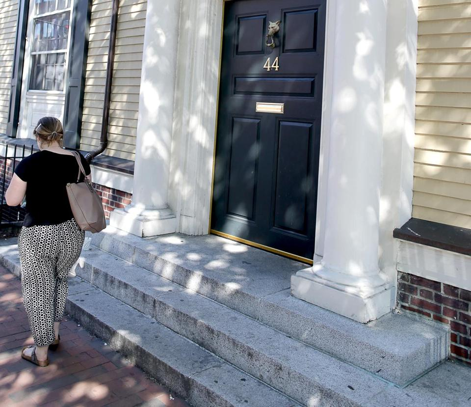 07/05/2017 Cambridge Ma- Exterior of the Fox Club at Harvard. The club has decided to eliminate the provisional memberships that allowed women to join. Jonathan Wiggs\Globe Staff Reporter:Topic.