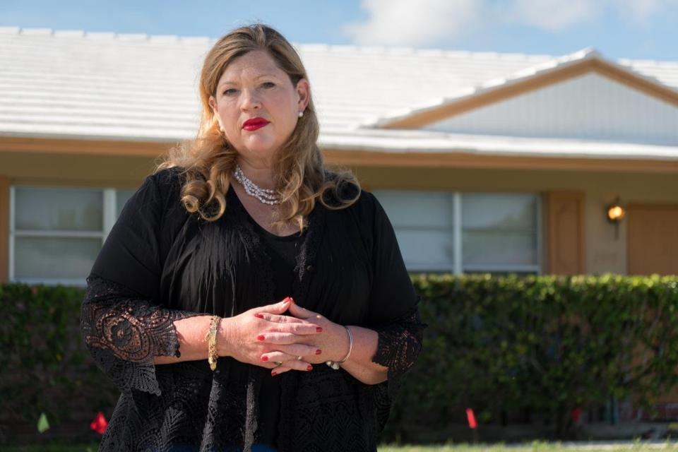 Samantha Herring stood in front of a sober home in Delray Beach, Fla., where her cousin Peter SanAngelo was living before his death from an opioid overdose in October 2016.