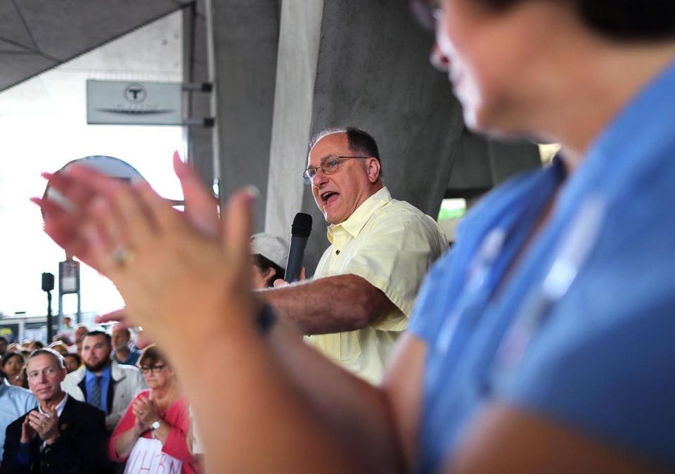 Mayor, congressmen join nurses in protest at Tufts hospital