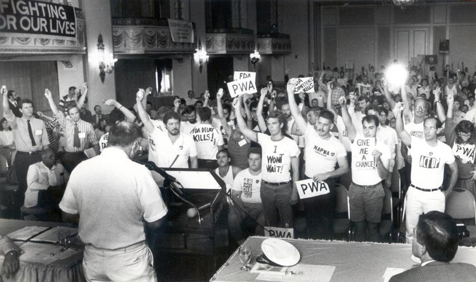 7/25/1988 - Boston, MA - FDA commissioner Frank Young addresses an angry crowd during gay health conference in Boston. AIDS25