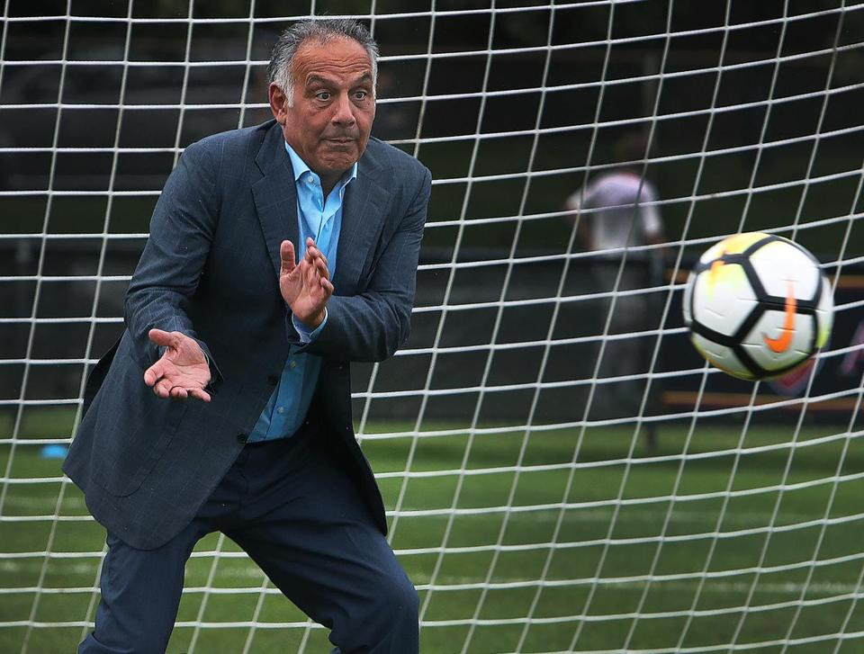Jim Pallotta, in goal during an AS Roma practice, owns the Italian club.