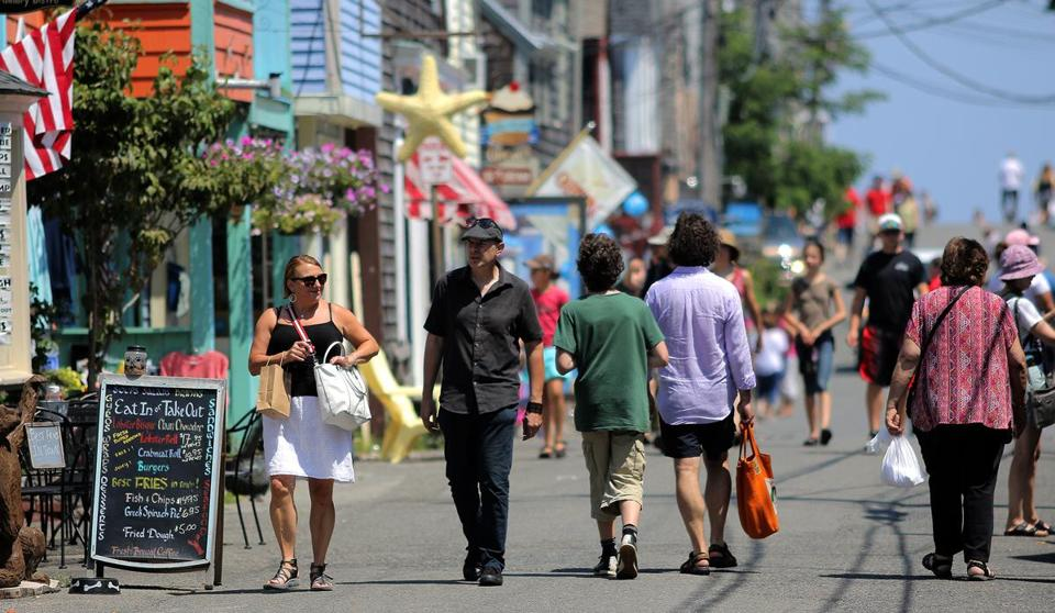 Its Summer So Tourists Crowd Into Rockport The Boston Globe