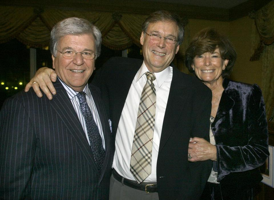 Mr. Albert with former Channel 5 coanchors Chet Curtis (left) and Natalie Jacobson in 2009, at his retirement party.