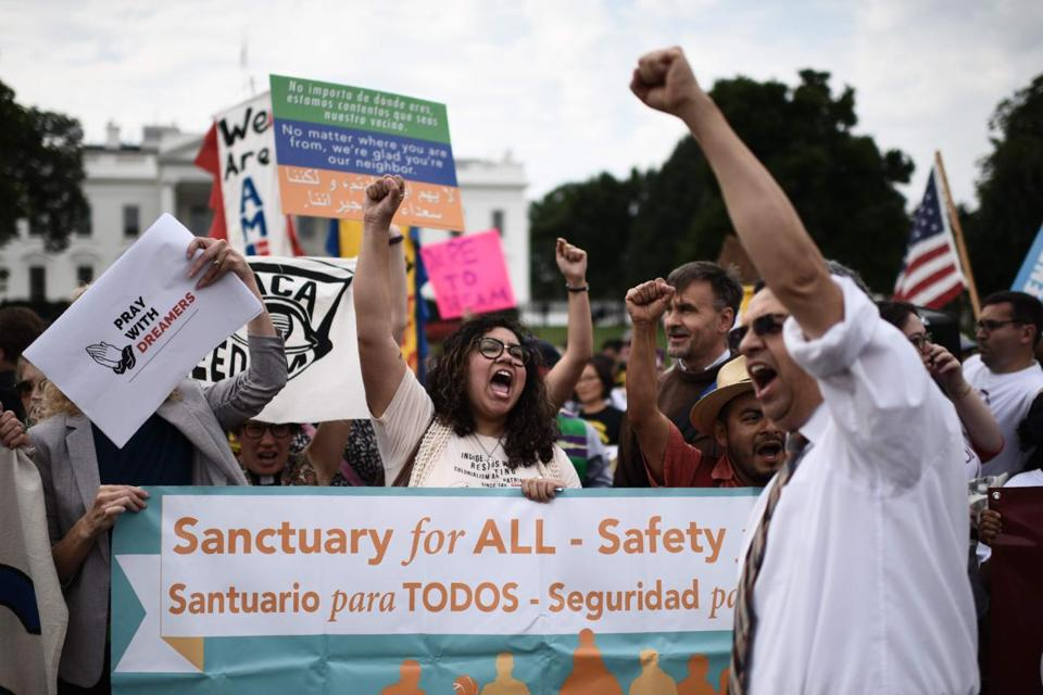 Immigrants and supporters demonstrate during a rally in support of the Deferred Action for Childhood Arrivals (DACA) in front of the White House