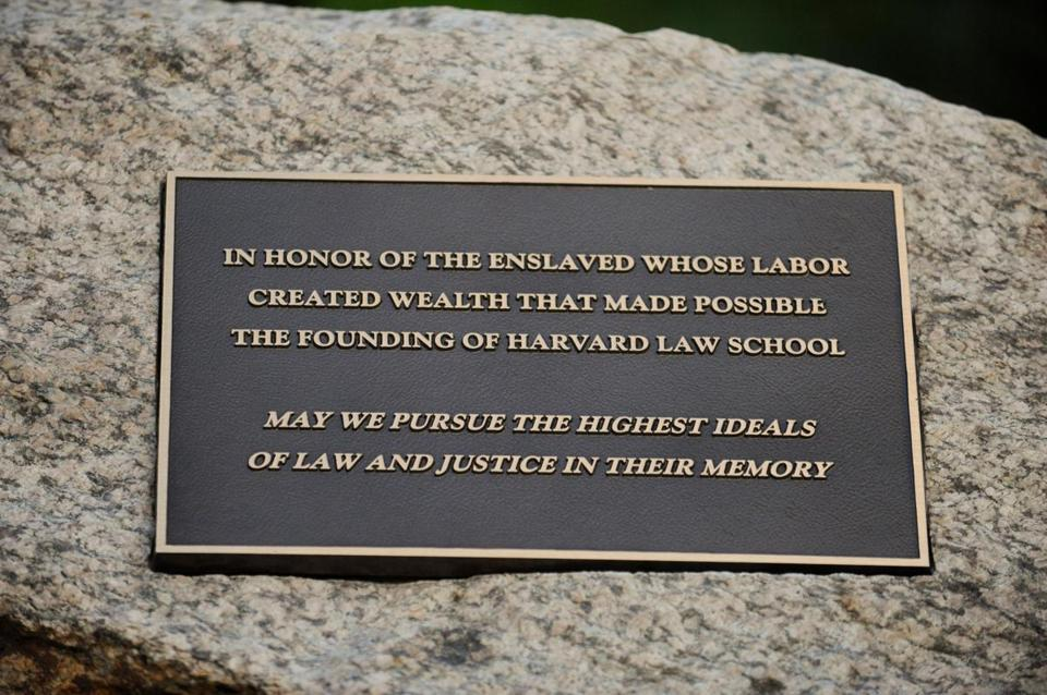 The plaque Harvard Law School unveiled this week in recognition of slaves who contributed to the institution's founding.