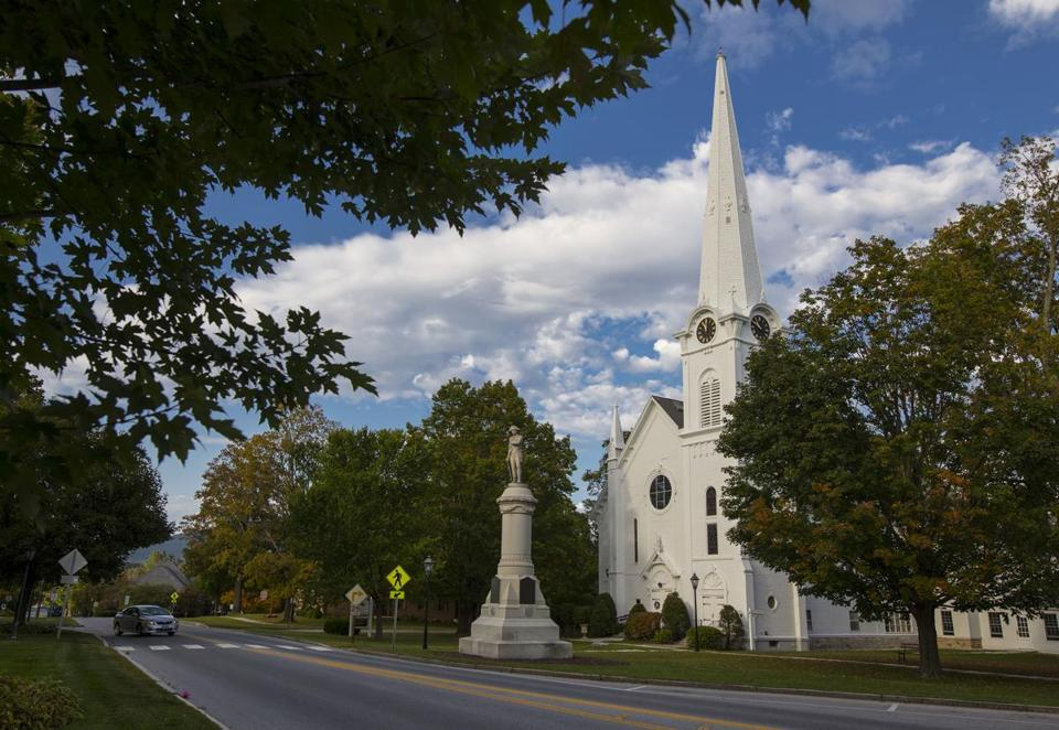 Manchester Village, Vermont is a quaint New England tourist town that is known for its outdoor activities including skiing, hiking and horse back riding. The town has a number of historic buildings including the First Congregational Church on Main Street. Photo by Steven G. Smith LOID: 8.3.3702686613 Content Folder: Metro Title: 17Farragher Photographer contact Steven G. Smith cell 970 618 5584 email steve@stevengsmith.com