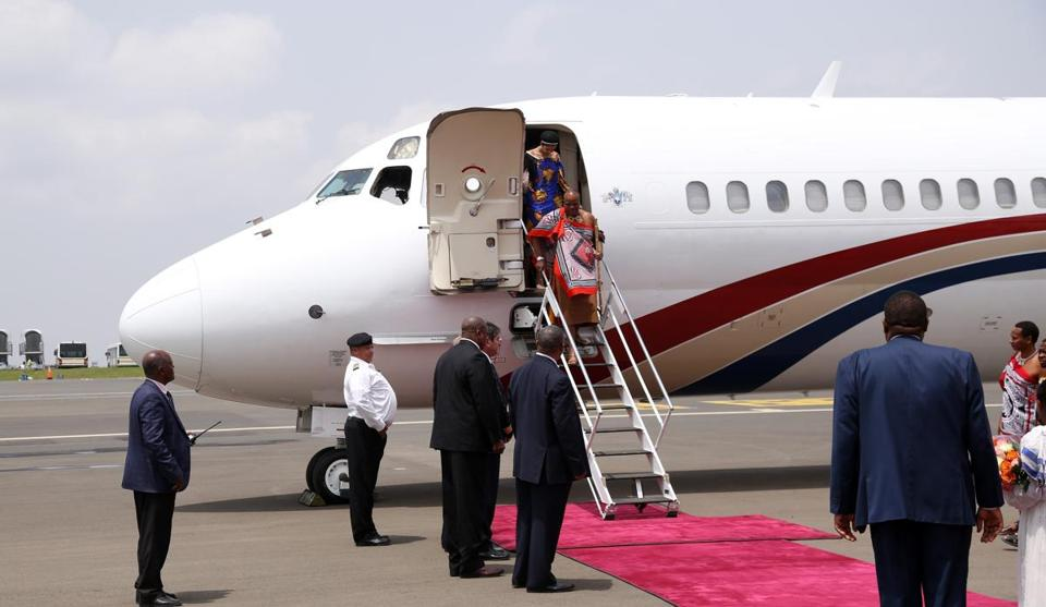 ADDIS ABABA, ETHIOPIA - JULY 2: King of Swaziland Mswati III arrives to Bole International Airport ahead of the 29th African Union summit in Addis Ababa, Ethiopia on July 2, 2017. (Photo by Minasse Wondimu Hailu/Anadolu Agency/Getty Images)