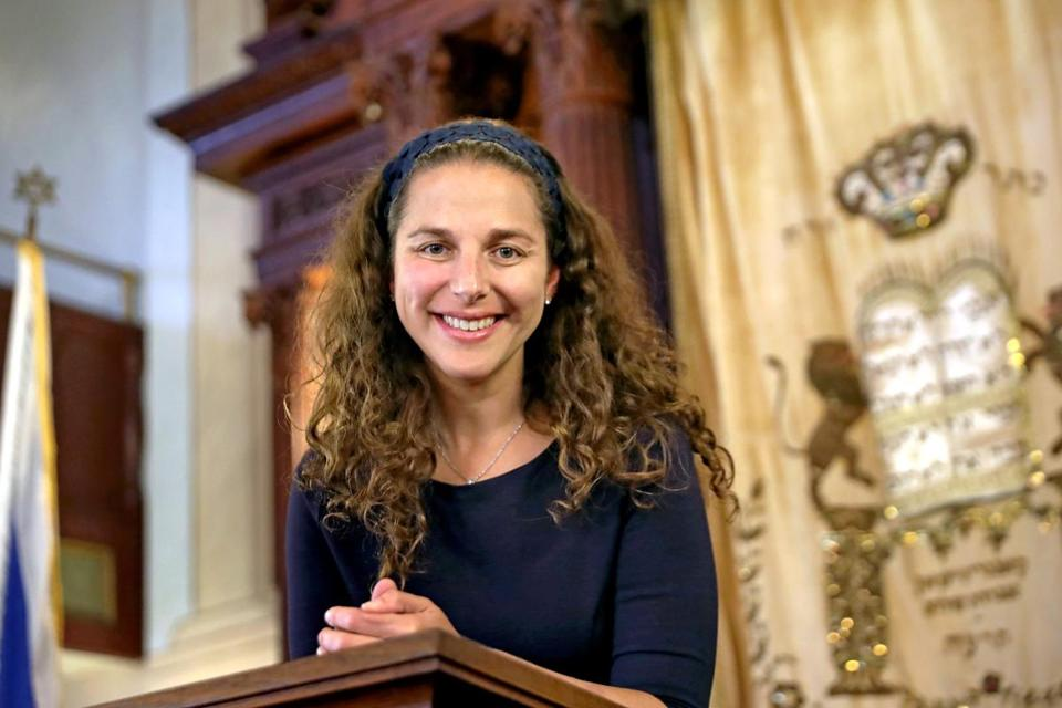 Walnut Street Synagogue Rabbi Lila Kagedan says people want to connect and want something 'more meaningful.'