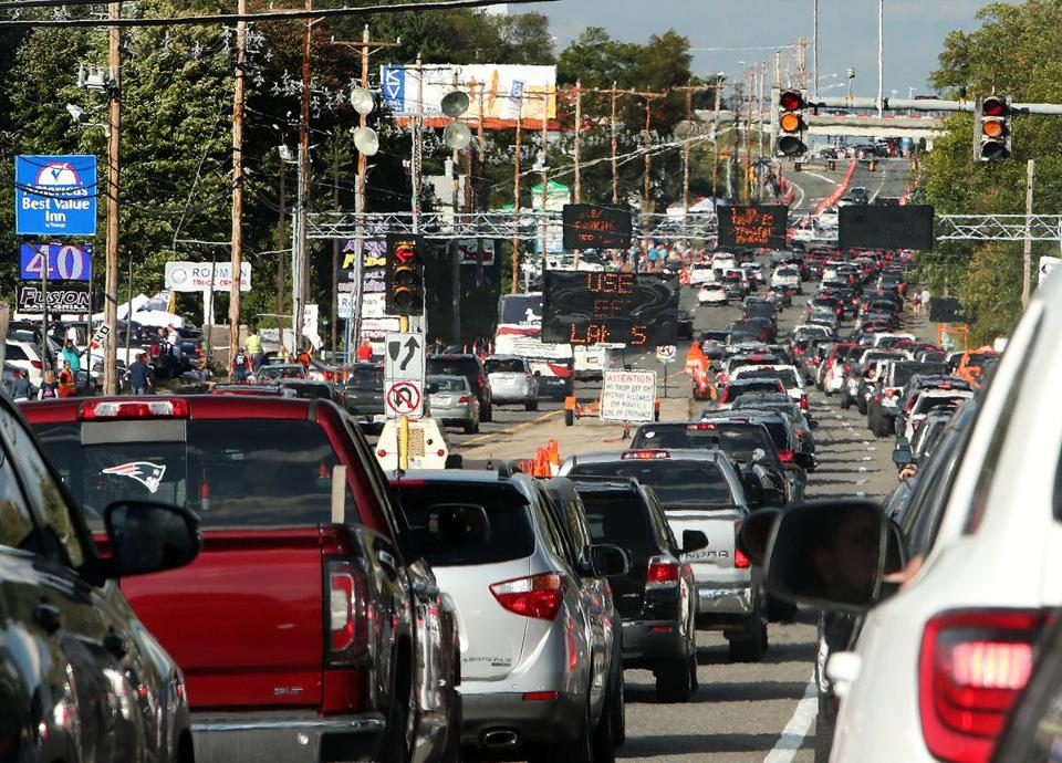 Foxborough, MA: September 7, 2017: About three and a half hours before kickoff, Route One heading to the stadium was full of traffic. The New England Patriots hosted the Kansas City Chiefs in the NFL regular season football opener at Gillette Stadium. (Jim Davis/Globe Staff).