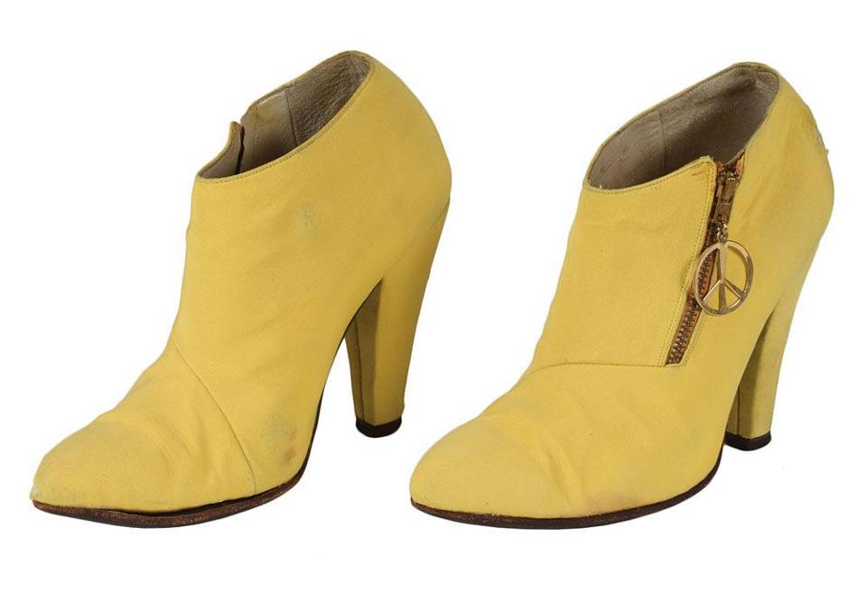 Resultado de imagen de prince yellow peace boots